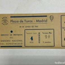 Tauromaquia: ENTRADA DE TORO. PLAZA DE TOROS DE MADRID. JUNIO DE 1941. VER FOTOS. Lote 227191610