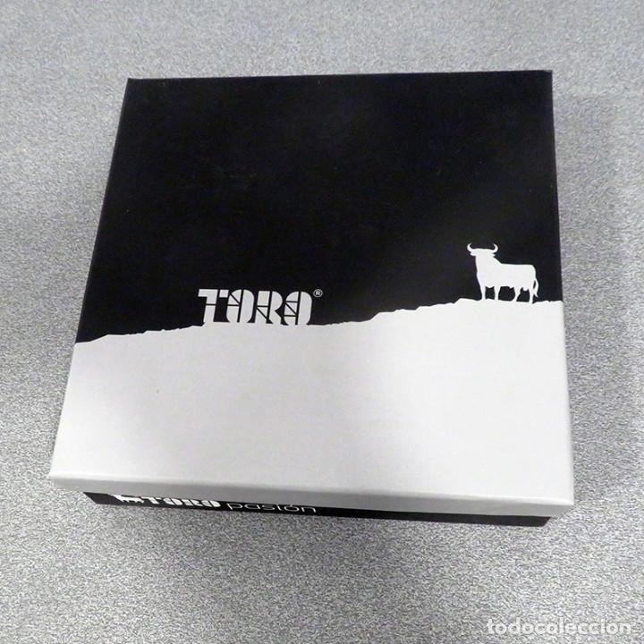 Tauromaquia: Toro Osborne de resina. FNMT. Manolo Prieto. Muy buen estado, nuevo. Clasico imagen grafica - Foto 2 - 235978815