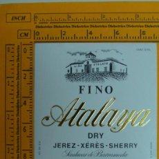 Coleccionismo de vinos y licores: ETIQUETA DE VINO. FINO ATALAYA. SANLUCAR DE BARRAMEDA. JEREZ. AÑOS 90. PERFECTA.. Lote 8567306