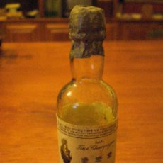 Coleccionismo de vinos y licores: PEQUEÑA BOTELLA DE JEREZ DE LA FRONTERA ANTIGUA BOTELLITA ESTILO FINE CHAMPAGNE. BOTELLIN DE CRISTAL. Lote 26347678
