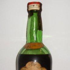 Coleccionismo de vinos y licores: BOTELLA DE AMARO CINZANO. VILLAFRANCA DE PANEDES. ESPAÑA.. Lote 16005565