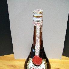 Coleccionismo de vinos y licores: LICOR CALISAY. LLENA CON PRECINTO DE 4 PTAS.1970. Lote 19429090