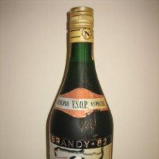 Coleccionismo de vinos y licores: BRNDY-82 RESERVA V.S.O.P. ESPECIAL EMBOTELLADA EN ESPAÑA PARA EL MUNDIAL NUMERADA 002084 SIN ABRI. Lote 26470067