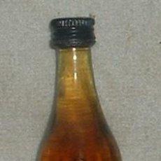 Coleccionismo de vinos y licores: BOTELLIN BRANDY GRAN GARVEY. BODEGAS GARVEY. JEREZ RF-658. Lote 27208102