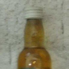 Coleccionismo de vinos y licores: BOTELLIN RON MIEL ARTEMI. ISLAS CANARIAS RF-1539. Lote 28965476