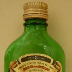 Coleccionismo de vinos y licores: BOTELLIN DE WHISKY ESCOCES DE 8 AÑOS GLENFIDDICH. DESTILERIAS WILLIAM GRANT & SON. ESCOCIA.. Lote 52280033