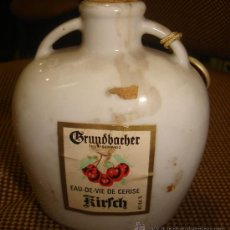 Coleccionismo de vinos y licores: BOTELLÍN GRUNDBACHER, EAU DE VIE DE CERISE, KIRLCH. Lote 33281963