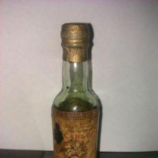 Coleccionismo de vinos y licores: BOTELLIN CARLOS I. SOLERA ESPECIAL. PEDRO DOMECQ. JEREZ. . Lote 33533519