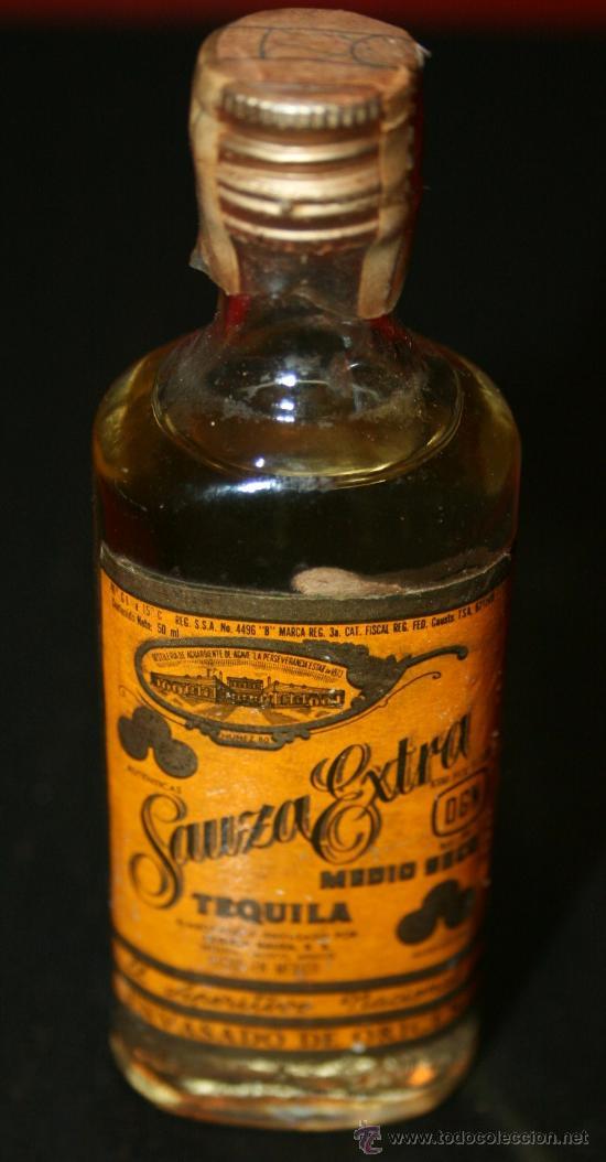 BOTELLITA DE CRISTAL TEQUILA SAUZA EXTRA - 11 CM. - LLENA SIN ABRIR (Coleccionismo - Botellas y Bebidas - Vinos, Licores y Aguardientes)