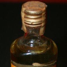 Coleccionismo de vinos y licores: BOTELLITA DE CRISTAL TEQUILA SAUZA EXTRA - 11 CM. - LLENA SIN ABRIR. Lote 100014172