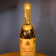 Coleccionismo de vinos y licores: VIEJA BOTELLA BRANDY TERRY DE 1 LITRO ( 4 PESETAS ). Lote 36564671