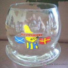 Coleccionismo de vinos y licores: VASO OSCILANTE DE CRISTAL PUBLICIDAD DE RON MOUNT GAY RUM,ISLAS BARBADOS.. Lote 36616216