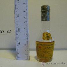Coleccionismo de vinos y licores: BOTELLITA BOTELLIN LICOR VIEILLE IZARRA LICOR DE LOS PIRINEOS. Lote 37858783