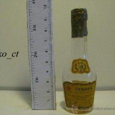 Coleccionismo de vinos y licores: BOTELLITA BOTELLIN LICOR VIEILLE IZARRA LICOR DE LOS PIRINEOS. Lote 37861916