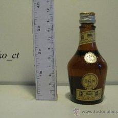 Coleccionismo de vinos y licores: BOTELLITA BOTELLIN BRANDY RESERVA BENEDICTINE DESTILERIAS BENEDICTINE FRANCIA. Lote 37868092