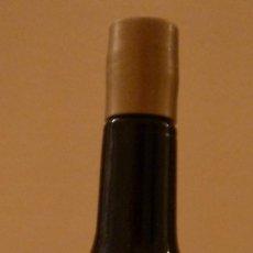 Coleccionismo de vinos y licores: BOTELLITA DE MALAGA VIRGEN. Lote 37790290