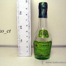 Coleccionismo de vinos y licores: BOTELLITA BOTELLIN LICOR VIEILLE IZARRA LICOR DE LOS PIRINEOS. Lote 38321893