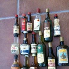 Coleccionismo de vinos y licores: COLECCION DE ANTIGUOS BOTELLINES 15 DIFERENTES.MEDIDAS;DE 9-15CM TIMBRES DE IMPUESTOS. Lote 39601465