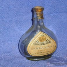 Coleccionismo de vinos y licores: ANTIGUA MINIATURA DE LICOR ABSENTA, UNA CASTANA RICARDO MENOR VILLENA ALICANTE. MED 9 CM.. Lote 40065749