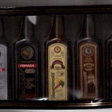 Coleccionismo de vinos y licores: CINCO BOTELLITAS DE LICORES RUSOS 200CC, PRECINTADAS NUEVAS. Lote 56890797