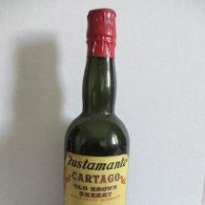 Coleccionismo de vinos y licores: BOTELLIN DE VINO CARTAGO. OLD BROWN - SHERRY. DESTILERÍAS JOSÉ BUSTAMANTE, S. L. JEREZ - ESPAÑA. Lote 43118849