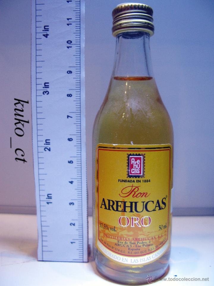 BOTELLITA BOTELLIN RON AREHUCAS ORO DESTILERIAS AREHUCAS ARUCAS ISLAS CANARIAS (Coleccionismo - Botellas y Bebidas - Vinos, Licores y Aguardientes)