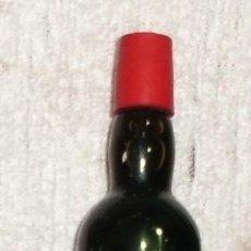 Coleccionismo de vinos y licores: BOTELLIN MALAGA VIRGEN. LOPEZ HERMANOS. MALAGA RF-3468. Lote 43779221