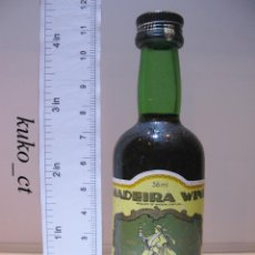 Coleccionismo de vinos y licores: BOTELLITA BOTELLIN MADEIRA WINE VINHOS BARBEITO MADEIRA PORTUGAL. Lote 43801379