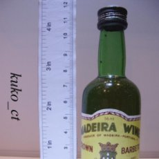 Coleccionismo de vinos y licores: BOTELLITA BOTELLIN MADEIRA WINE CROWN VINHOS BARBEITO MADEIRA PORTUGAL. Lote 43801453
