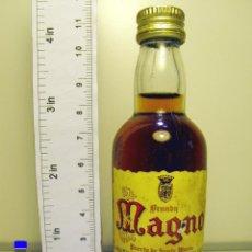 Coleccionismo de vinos y licores: BOTELLITA BOTELLIN BRANDY MAGNO OSBORNE PUERTO SANTA MARIA JEREZ. Lote 44219381