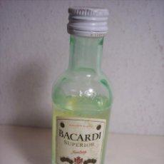 Coleccionismo de vinos y licores: BOTELLIN BACARDI (PRECINTADO). Lote 45508151