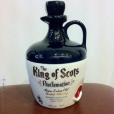 Coleccionismo de vinos y licores: BOTELLA DE CERÁMICA DE WHISKY - THE KING OF SCOTS - PROCLAMATION RARE EXTRA OLD SCOTCH WHISKY.. Lote 46018385