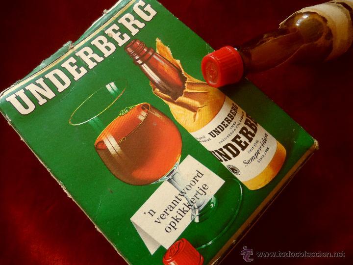 CAJA CON TRES BOTELLITAS DE LICOR UNDERBERG, DOS DE ELLAS SIN ABRIR, AÑOS 70 (Coleccionismo - Botellas y Bebidas - Vinos, Licores y Aguardientes)