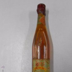 Coleccionismo de vinos y licores: BOTELLA RON ESCARCHADO J. Mª AZNAR. LOGROÑO. DESTILERIAS LA RIOJANA.. Lote 49364901