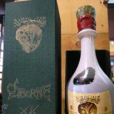 Coleccionismo de vinos y licores: ESTUCHE BOTELLA BRANDY LLENA ORIGINAL OSBORNE DISEÑO DALI 1964 MAS OBSEQUIO. Lote 49366732