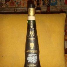 """Coleccionismo de vinos y licores: ANTIGUA BOTELLA AGUARDIENTE VELHA """"ANTIQUA"""" V.S.O.P. LLENA Y SIN ABRIR. TAPÓN ROSCA. PORTUGAL. C1975. Lote 49538489"""