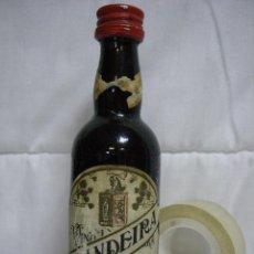 Coleccionismo de vinos y licores: ANTIGUO BOTELLÍN DE VINO ANTONIO BANDEIRA. Lote 49604190