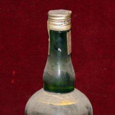 Coleccionismo de vinos y licores: LICOR ESTOMACAL ORLIK DE LAS DESTILERIAS DEL VALLES. PRECINTO DE 4 PESETAS. Lote 49647397