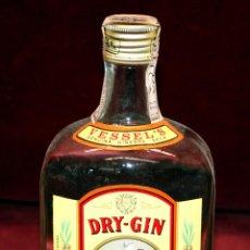 Coleccionismo de vinos y licores: DRY GIN VESSEL'S. GINEGRA DE LAS DESTILERIAS DEL VALLES.PRECINTO DE 4 PESETAS. Lote 49648187