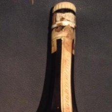 Coleccionismo de vinos y licores: ANTIGUA BOTELLA DE 1969 DE LICOR CALISAY DESTILERIAS MOLLFULLEDA ARENYS DE MAR BARCELONA. Lote 50004412