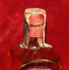 Coleccionismo de vinos y licores: ANTIGUA BOTELLA DE ANIS SAN SALVADOR (J. SANROMA BLANCH, VALLS) ANIS DEL PAGES. TAPON DE CORCHO. Lote 50309855
