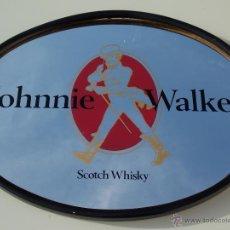 Coleccionismo de vinos y licores: ESPEJO CUADRO BEBIDA WHISKY JOHNNIE WALKER. Lote 50731732