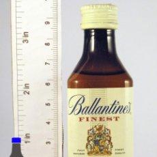 Coleccionismo de vinos y licores: BOTELLITA BOTELLIN BALLANTINES FINEST BLENDED SCOTCH WHISKY . Lote 50864201