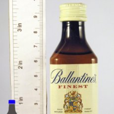 Coleccionismo de vinos y licores: BOTELLITA BOTELLIN BALLANTINES FINEST BLENDED SCOTCH WHISKY . Lote 50864203
