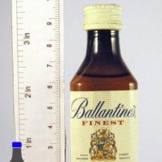 Coleccionismo de vinos y licores: BOTELLITA BOTELLIN BALLANTINES FINEST BLENDED SCOTCH WHISKY . Lote 50864241