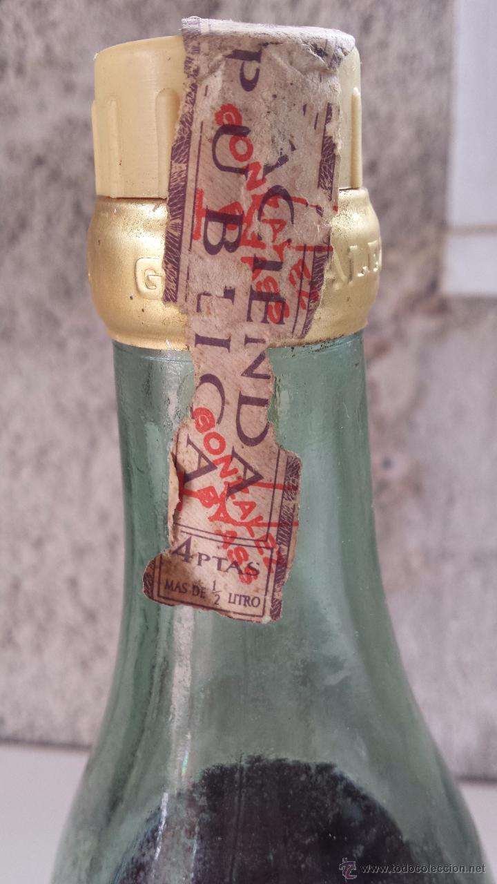 Coleccionismo de vinos y licores: botella de brandy soberano, 1 litro. sello 4 ptas. sin abrir - Foto 3 - 51193754