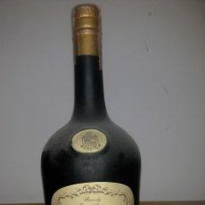 Coleccionismo de vinos y licores: BOTELLA ANTIGUA DE BRANDY COÑAC TERRY I PRECINTO IMPUESTO 4 PESETAS AÑOS 70 REGALO ORIGINAL HOMBRES. Lote 51460257