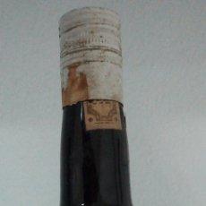 Coleccionismo de vinos y licores: BOTELLA DE MANZANILLA EL CAPOTAZO. BODEGAS MANUEL DE LA CALLE. JEREZ.. Lote 52170025