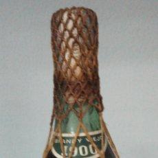 Coleccionismo de vinos y licores: BOTELLA DE BRANDY RESERVA 1900. BODEGAS TERRY. PTO. DE SANTA Mª. IMPUESTO 80 CENTIMOS. PLOMO/CORCHO. Lote 52170437