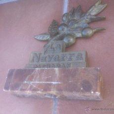 Coleccionismo de vinos y licores: PACHARAN LA NAVARRA.BRONCE SOBRE MARMOL. Lote 52614708